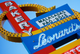 Leonard's Hawaii Sign